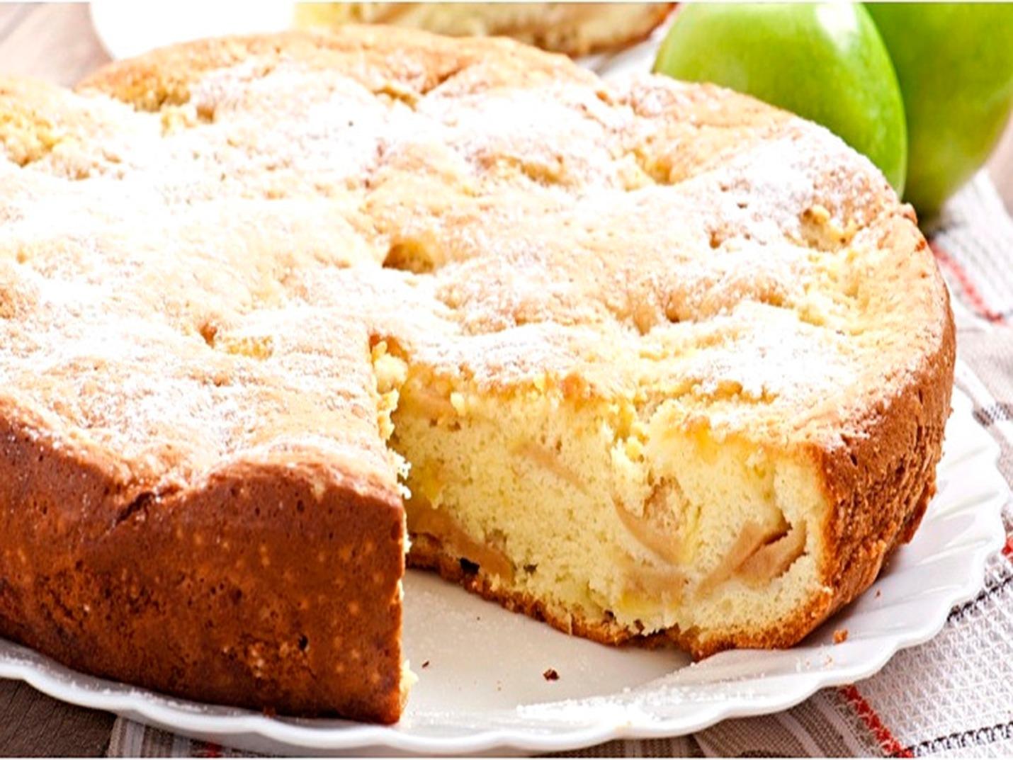 шарлотка пышная с яблоками по бабушкиному рецепту