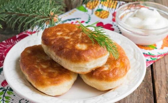 жаренные пирожки с картошкой