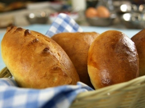 готовые пирожки с капустой