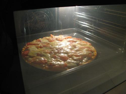 выпекание бабушкиной пиццы