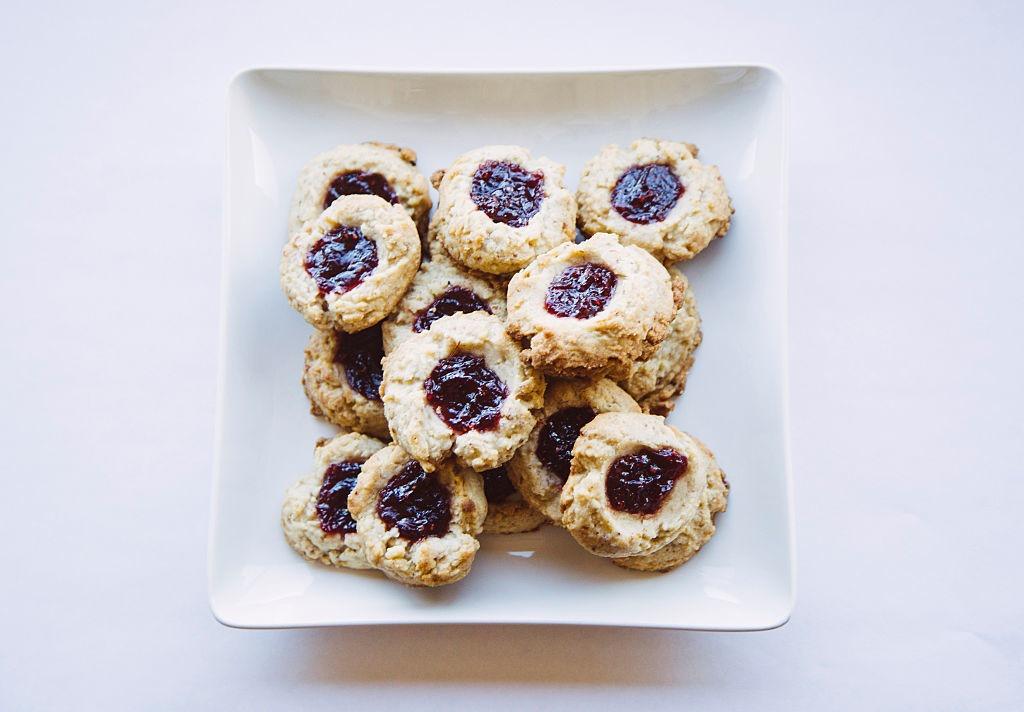 печенье на кефире с вареньем