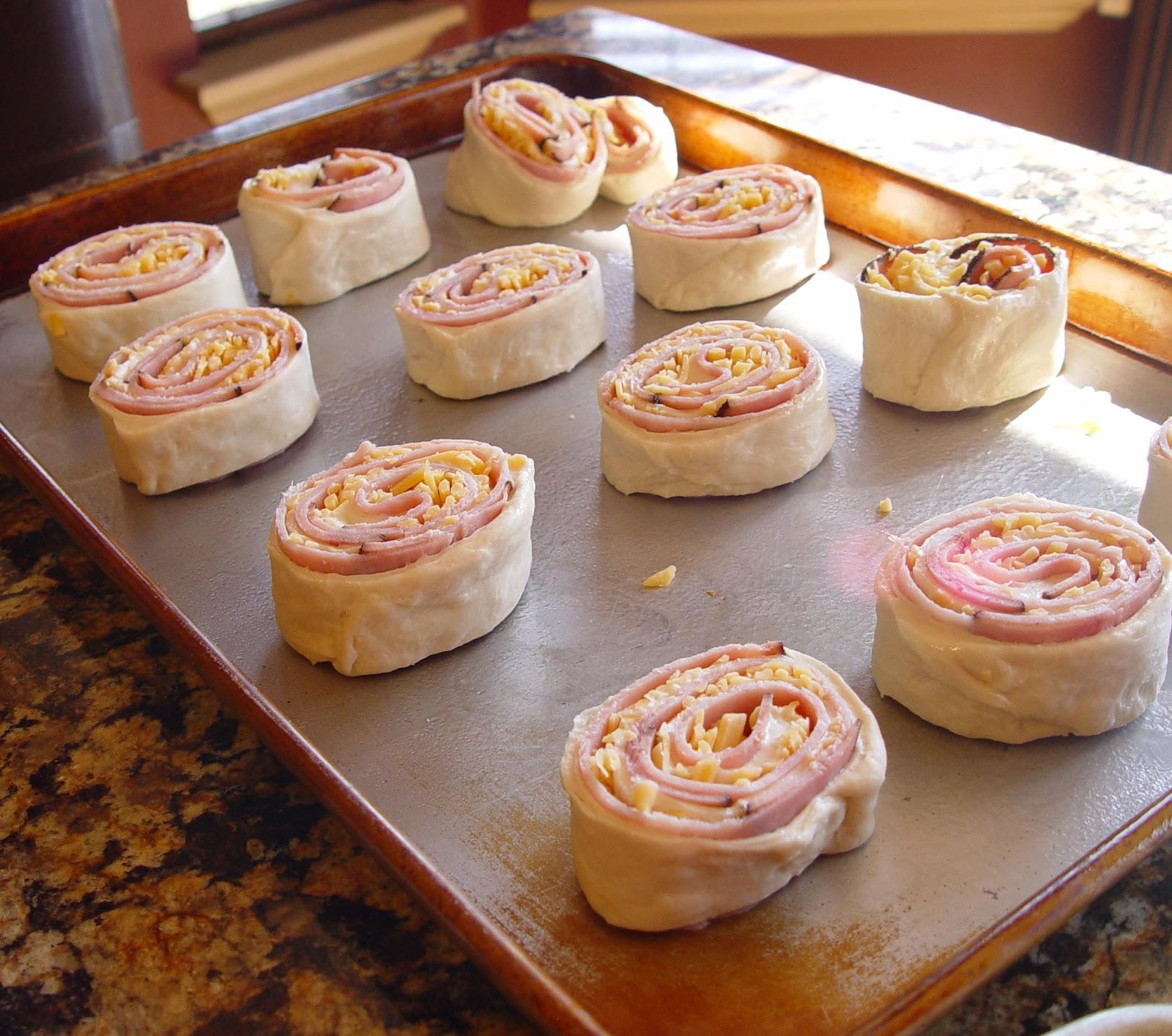 приготовление слойки с ветчиной и сыром