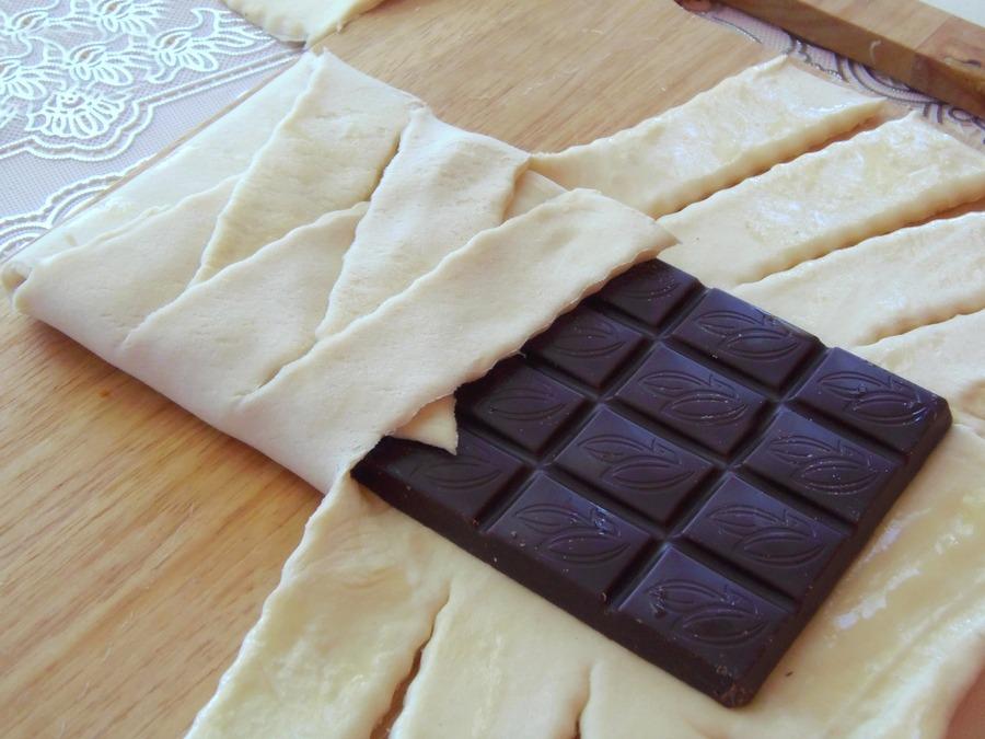 слойки и шоколад