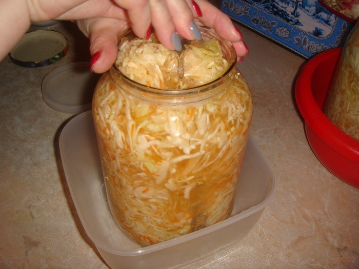 утрамбовка квашенной капусты