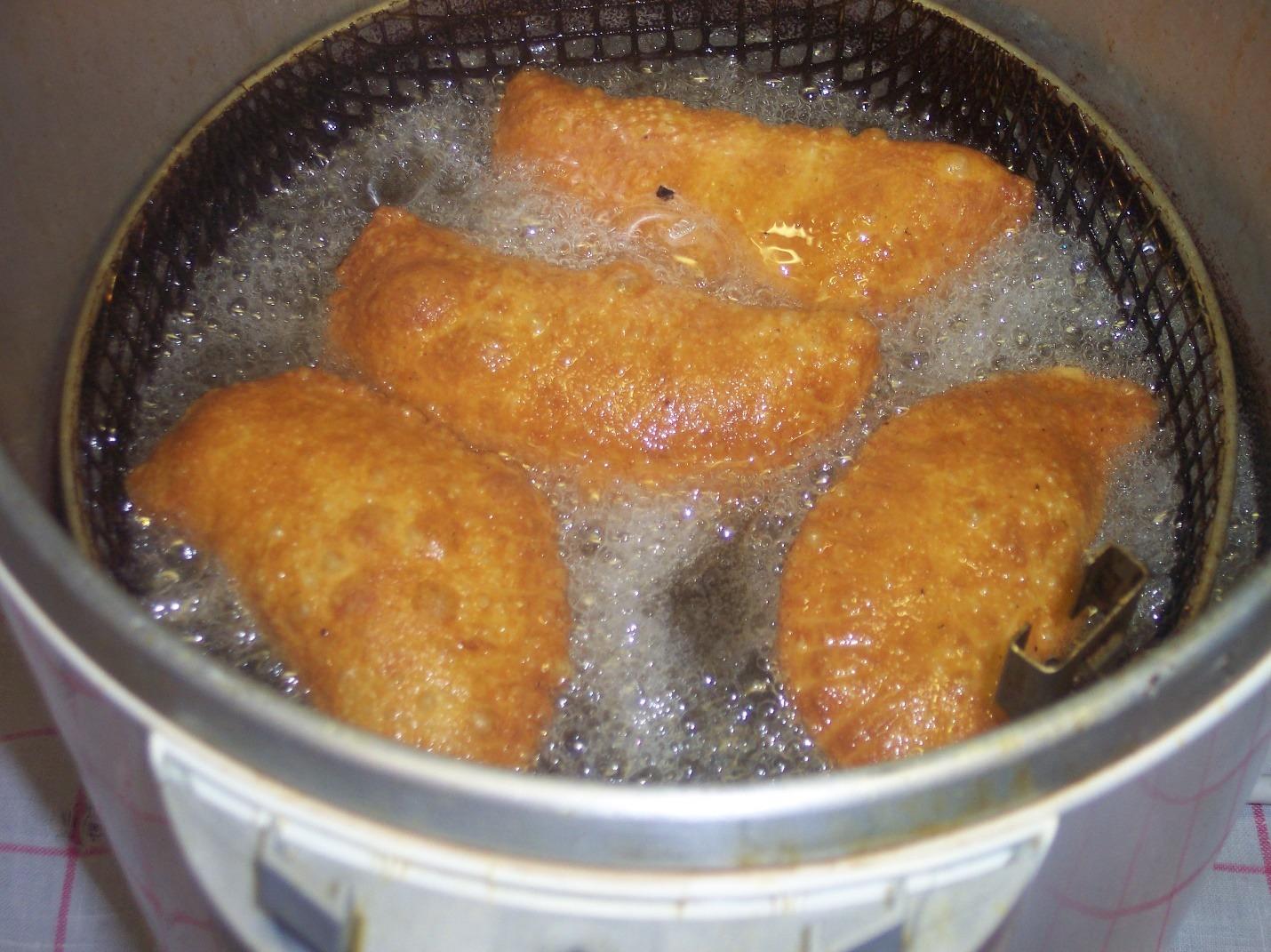 самса с сыром во фритюре