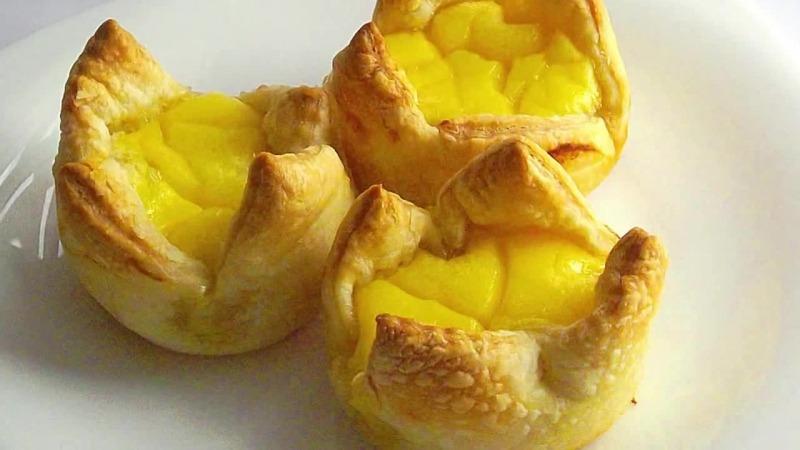 слойка с ананасом