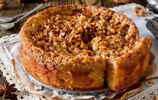 Королевский пирог с творогом и яблочным вареньем