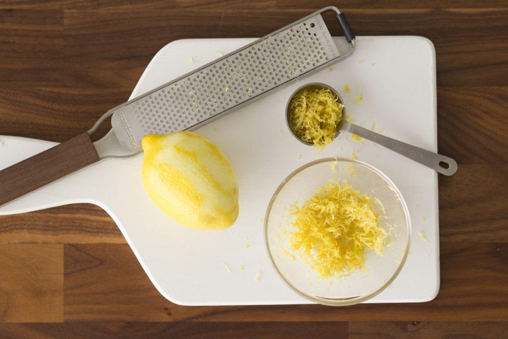 лимон почищенный