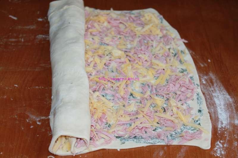 Слойки с колбасой и сыром приготовление