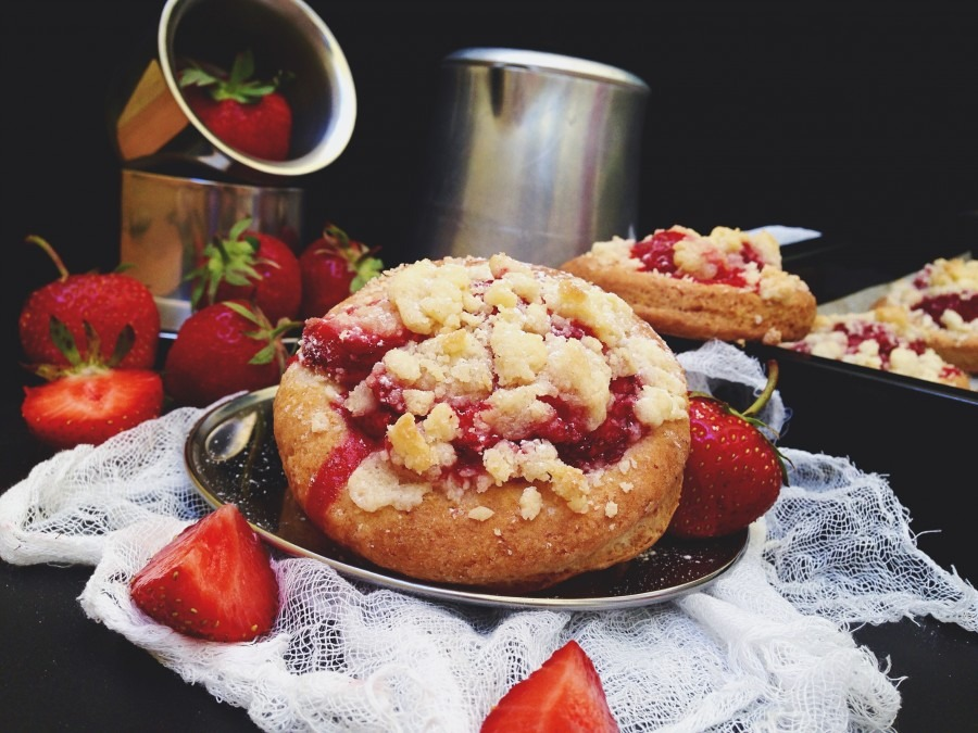 Ватрушки с ягодами
