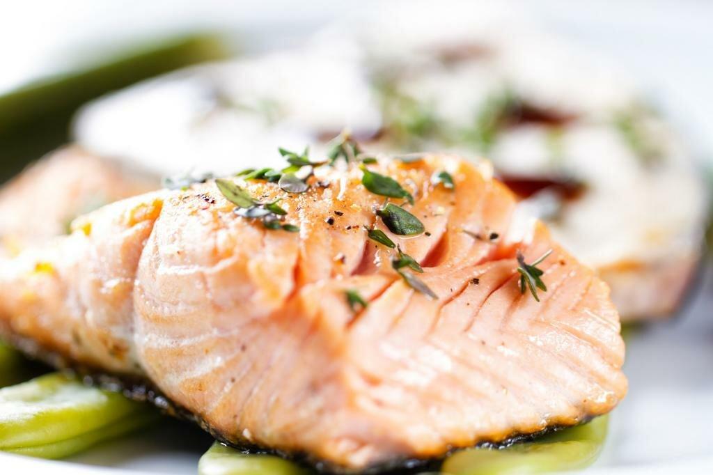 запеченная красная рыба для оливье